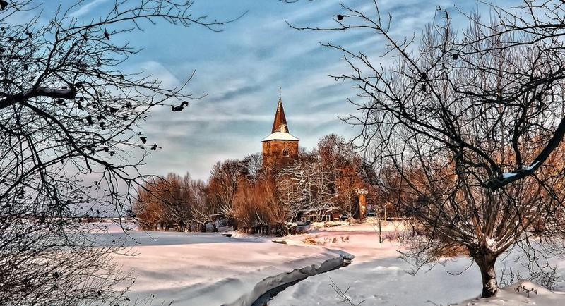 Slide_Windheim-Kirche im Winter