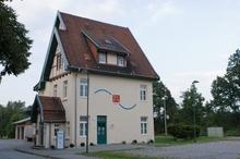 Ehemaliges Bahnhofsgebäude in der Ortschaft Lahde